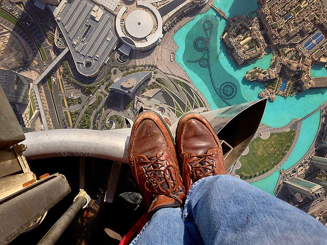 View-from-Top-of-Burj-Khalifa-Dubai-2013