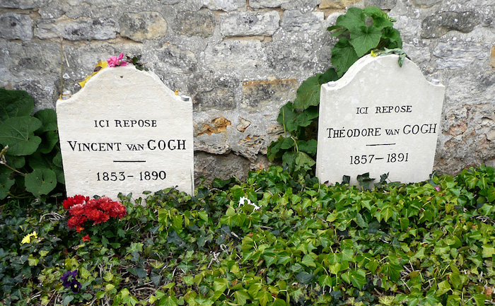 Graves_of_Vincent_and_Théodore_Van_Gogh