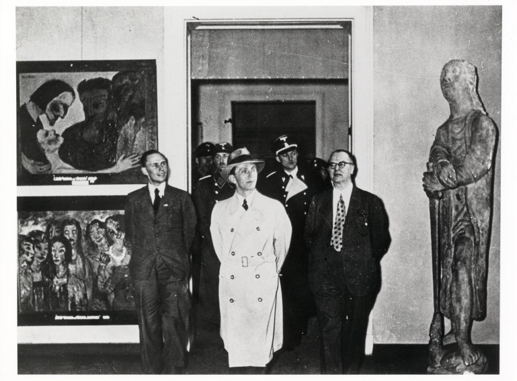 EN_Presse_Foto_EntarteteKunst-Goebbels_klein-1024x754